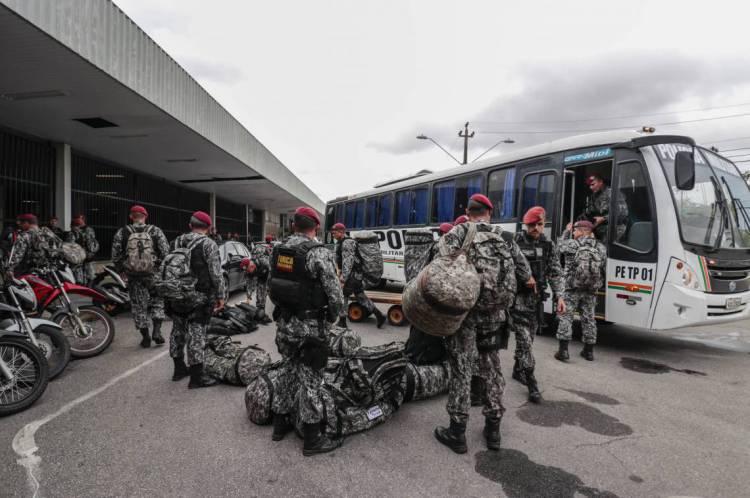 Chegada da Força Nacional ao antigo aeroporto de Fortaleza