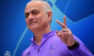 Mourinho fez brincadeiras com as ausências de Harry Kane e Son