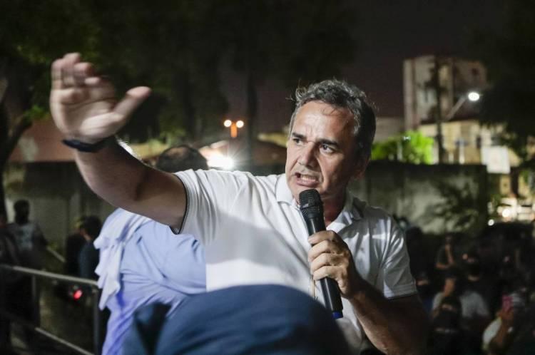 Cabo Sabino é ex-deputado federal e um dos líderes dos policiais amotinados