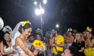 Casal de foliões decidem casar no Carnaval de 2020 no polo do bairro Benfica