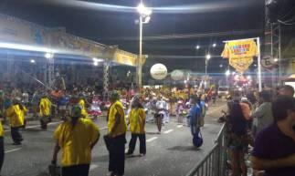 Desfiles movimentam avenida Domingo Olímpio nesta segunda-feira, 24, de Carnaval
