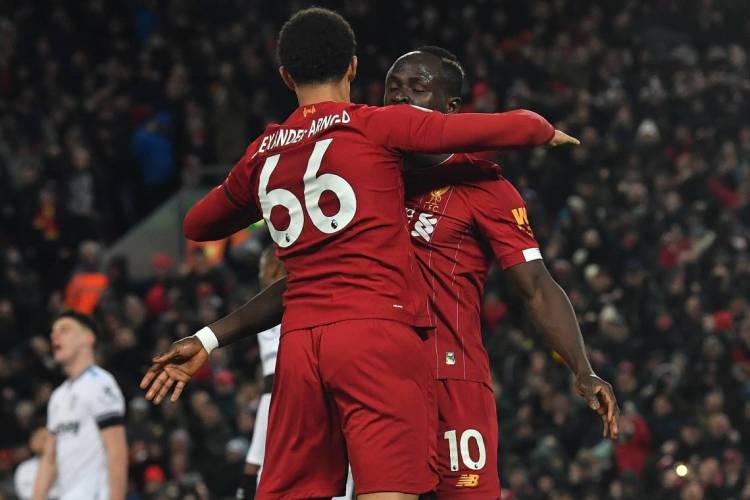 Premier League volta com Liverpool prestes a confirmar o título inglês  (Foto: AFP)