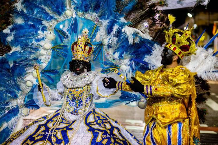 FORTALEZA, CE, BRASIL, 22-02-2020: Maracatu Rei Zumbi. Maracatus na Avenida Domingos Olimpio no primeiro dia de Carnaval.. (Foto: Aurelio Alves/O POVO).. (Foto: Aurelio Alves/O POVO)