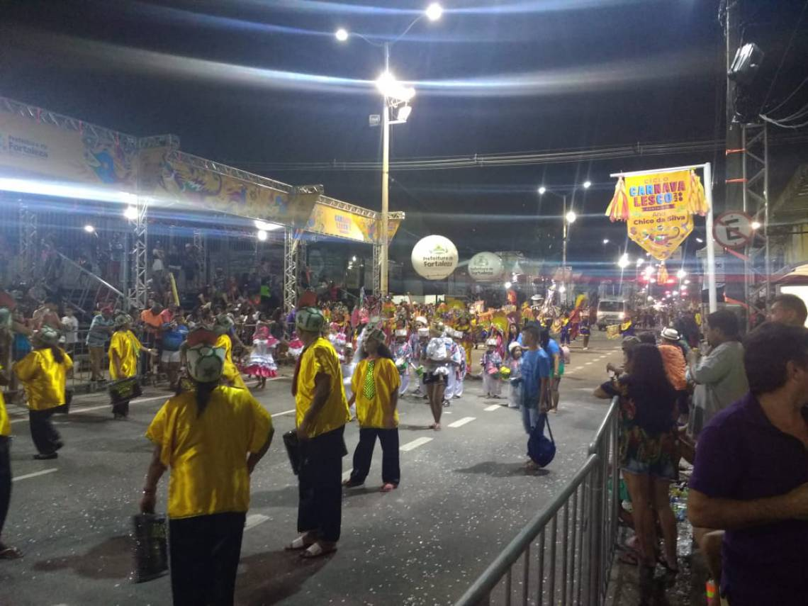Desfiles movimentam avenida Domingos Olímpio nesta segunda-feira, 24, de Carnaval
