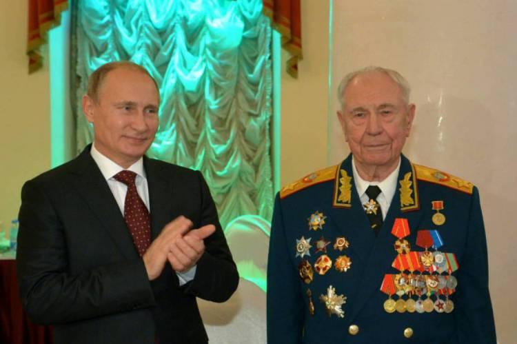 Ele foi o último marechal da URSS