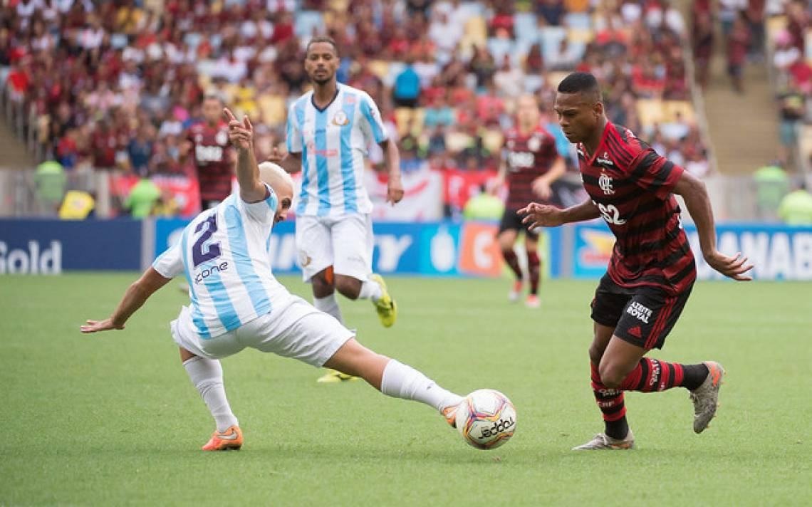 Lucas Silva subiu para o profissional em 2018