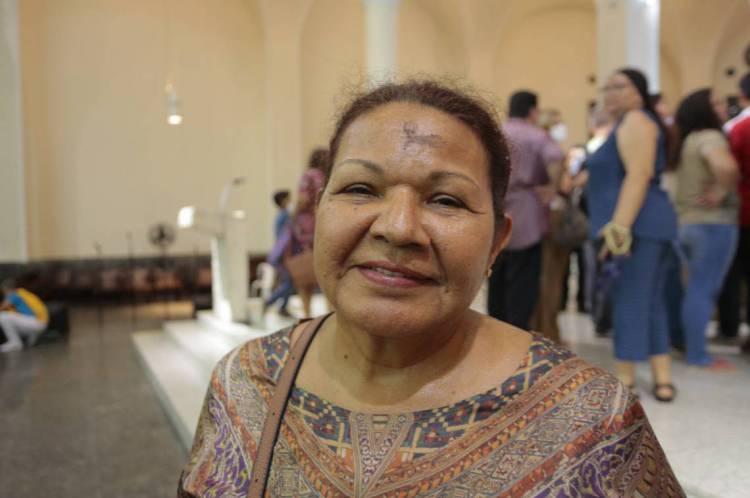 Gleide Santiago espera renovar a fé nesta quaresma