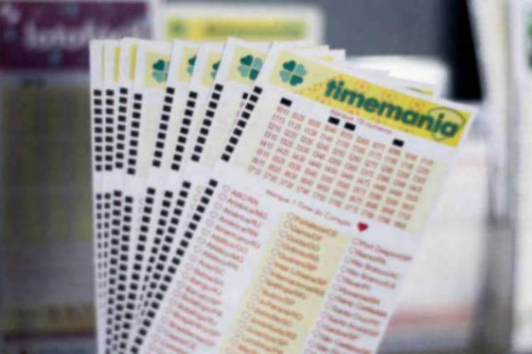O resultado da Timemania Concurso 1452 será divulgado na noite de hoje, 29. O valor do prêmio está estimado em R$ 3.8 milhões.