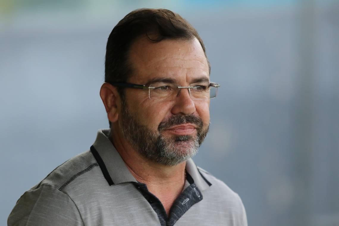 Enderson Moreira não poupou críticas ao estado de alguns gramados do futebol brasileiro