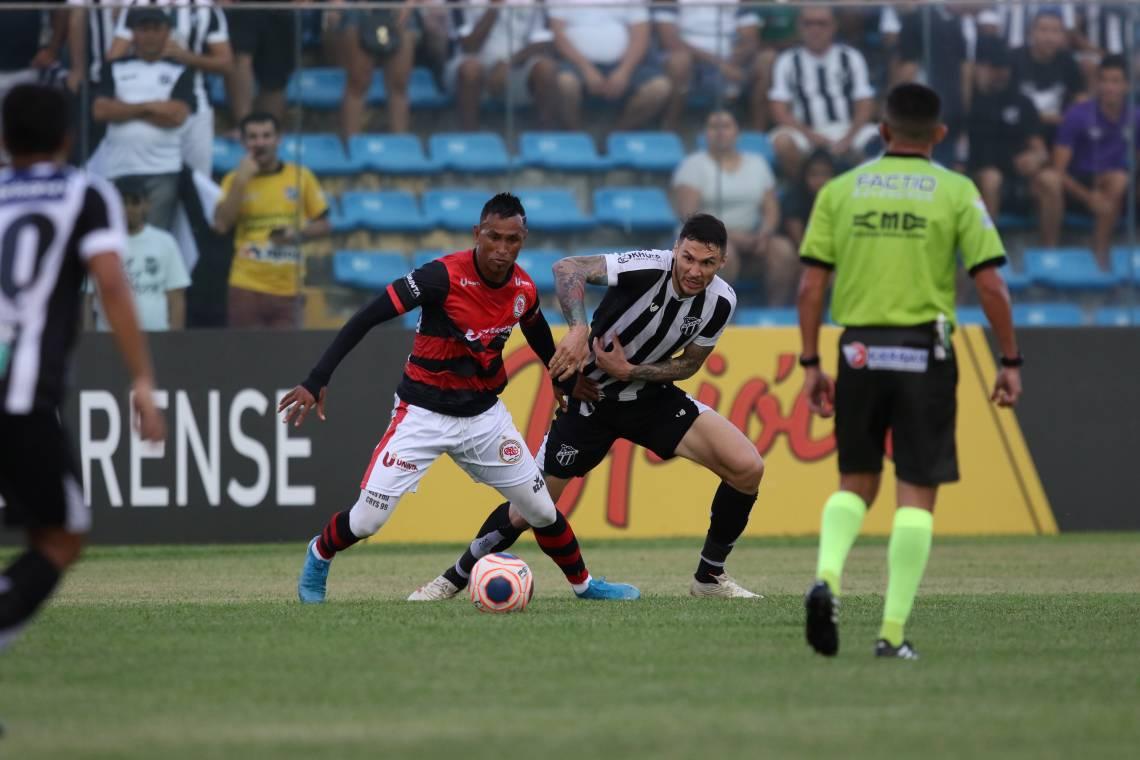 Até a pausa do futebol, Ciel defendeu o Guarany de Sobral no Campeonato Cearense