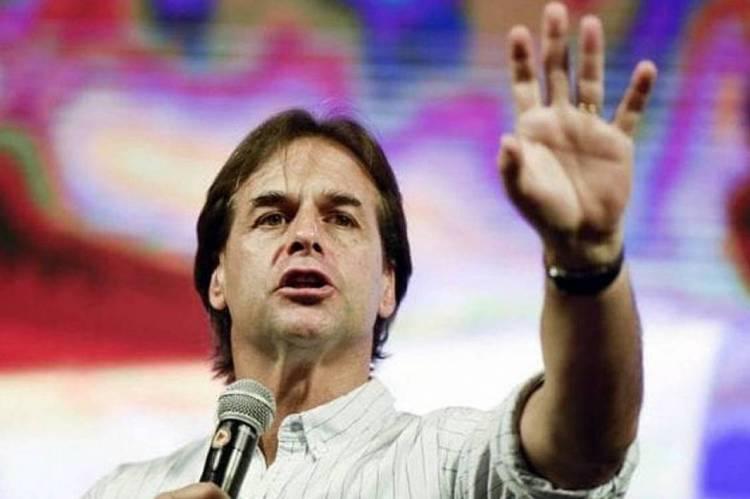 Autoridades internacionais, como o presidente do Brasil, Jair Bolsonaro, e o rei da Espanha, Felipe VI, participarão da cerimônia