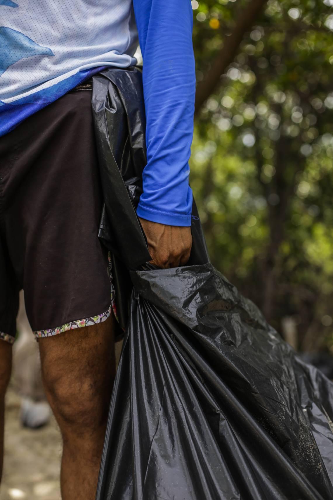FORTALEZA, CE, BRASIL, 29.02.2020: IV Limpando os Manguezais organizado pelo Ecomuseu Natural do Mangue. (foto: Thais Mesquita/O POVO)(Foto: Thais Mesquita)