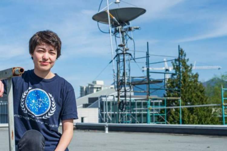 Michelle Kunimoto estuda Astronomia na University of British Columbia