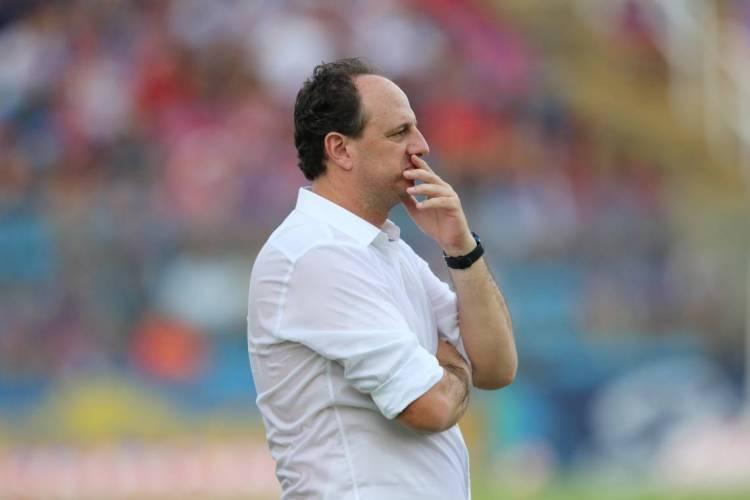 Rogério Ceni terá pouco mais de uma semana para ajustar equipe visando o Brasileirão  (Foto: FÁBIO LIMA)