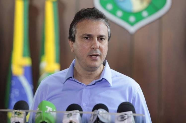 JUNTO a governadores do Nordeste, Camilo Santana participou de videoconferência com o presidente da República