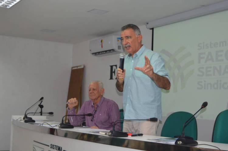 """Secretário Arthur Bruno em evento para buscar apoio de empresários do setor agropecuário para o projeto """"Pacto pelo Cocó""""."""