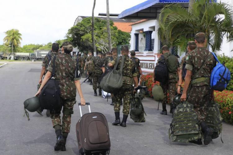 FORTALEZA, CE, BRASIL, 04-03-2020: Exército Brasileiro, deu ínicio da retirada das tropas em Fortaleza, na Base Aérea de Fortaleza. (Foto: Mauri Melo/O POVO). CAPA