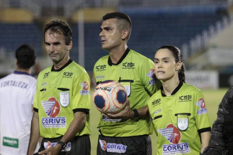 Árbitros serão testados horas antes das partidas  (Foto: Julio Caesar/O POVO)