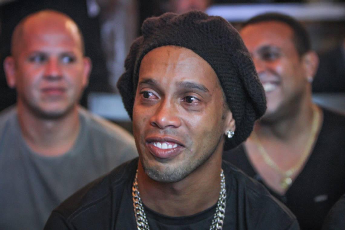 Ronaldinho Gaúcho foi detido no Paraguai com passaporte falso