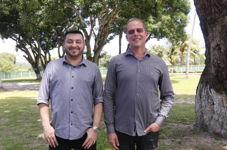 Rodrigo Xavier e Tauama de Moraes fundadores da Casa Despertar na inauguração da casa de reabilitação para dependentes químicos - Unidade Fazenda
