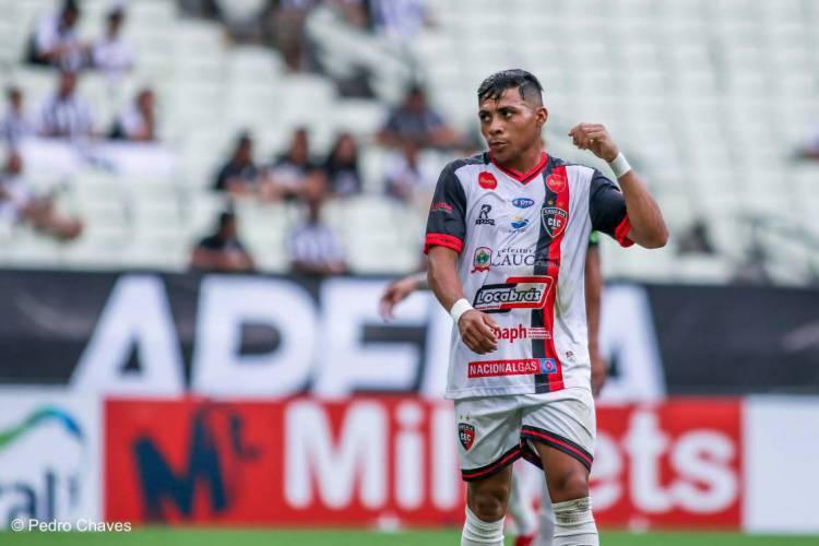 Jacaré tem como características habilidade e força (Foto: Pedro Chaves)