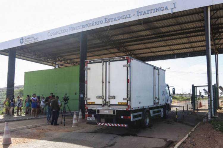 Detentos foram encaminhados do Cepis, em Itaitinga, para o Hospital São José