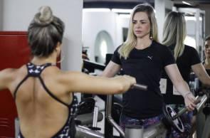 FORTALEZA, CE, Brasil. 07.03.2020: Mulheres que ganham menos: Ada Vasconcelos, 36, educadora física. (Fotos: Deísa Garcêz/Especial para O povo)