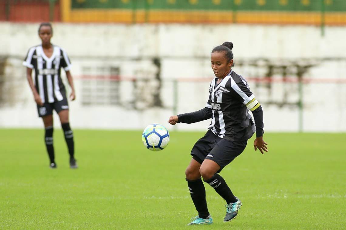 Ceará realiza treinos de pré-temporada para o Brasileirão A-2 em Porangabuçu