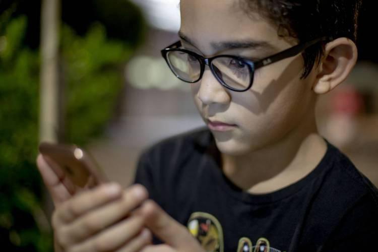 David Machado: óculos por causa do uso de telas (TV,Celular,Tablet) (Foto: Aurelio Alves/O POVO)