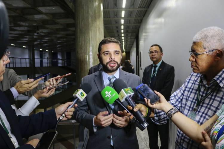 Deputado Júlio César Filho pediu licença da Câmara para concorrer à Prefeitura de Maracanaú (Foto: DEÍSA GARCÊZ/Especial para O POVO)