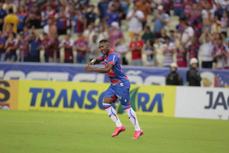 Diante do Pacajus, Yuri César marcou primeiro gol com a camisa do Fortaleza (Foto: Julio Caesar/ O POVO)