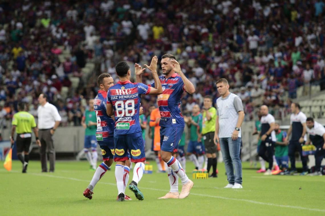 Edson Cariús marcou o primeiro gol do clube.