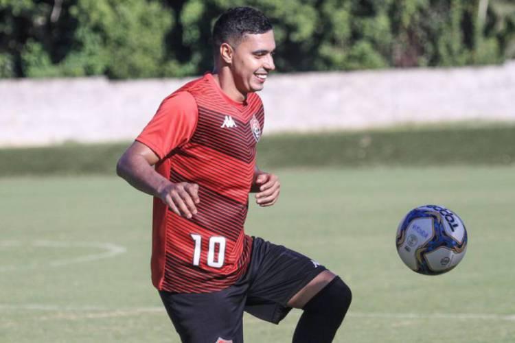 Alisson Farias é o destaque do Vitória (Foto: Foto: Letícia Martins / Divulgação / EC Vitória)