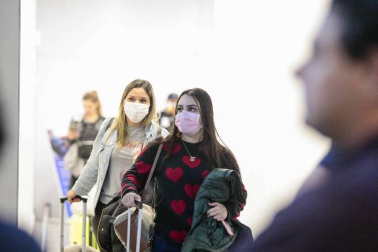 Jovens também são impactados pelo coronavírus (Foto: Júlio Caesar/  O POVO) (Foto: JÚLIO CAESAR)