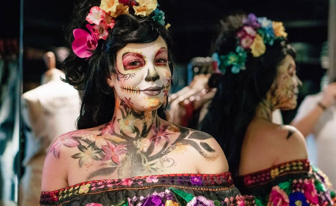 Frida Kahlo é uma das personalidades femininas homenageadas na peça