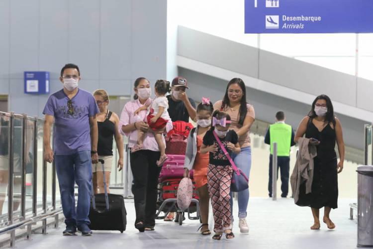 Brasil volta a fechar as fronteiras e passará a exigir testes de Covid-19 para passageiros vindos do exterior para tentar desacelerar segunda onda de contágio do novo coronavírus (Foto: FÁBIO LIMA/O POVO)