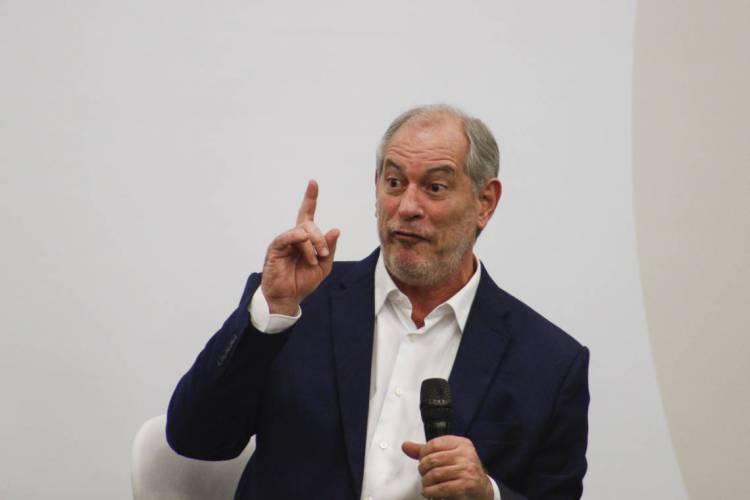 Ciro fez duras críticas a Bolsonaro e Braga Netto (Foto: Thaís Mesquita)