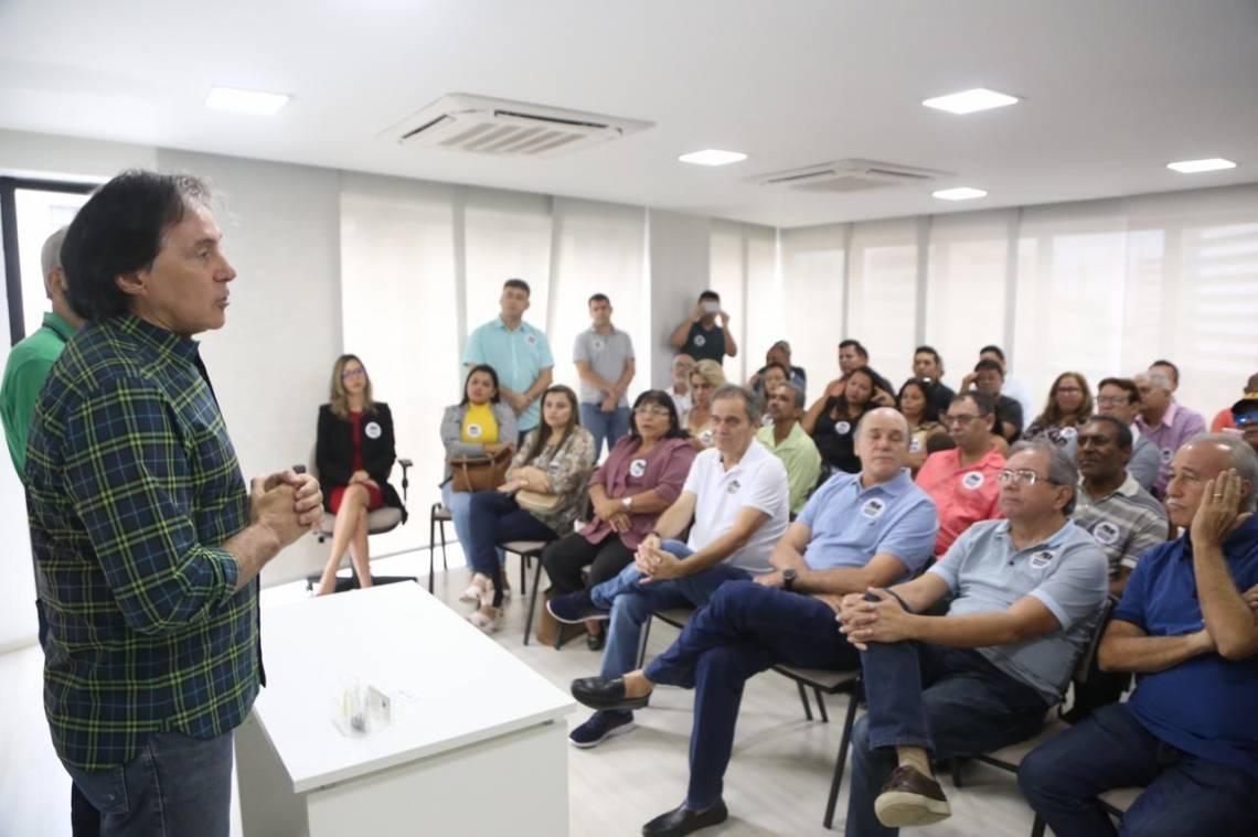 Eunício Oliveira comandou o evento emedebista de ontem, em Fortaleza