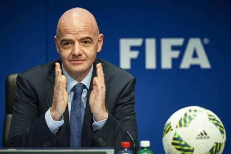 Presidente da Fifa, Gianni Infantino, poderá prestar explicações às autoridades da Suíça (Foto: AFP)