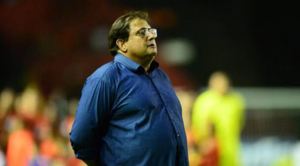 Guto Ferreira é mais um em uma longa lista de treinadores do Ceará desde que a equipe subiu para a Série A