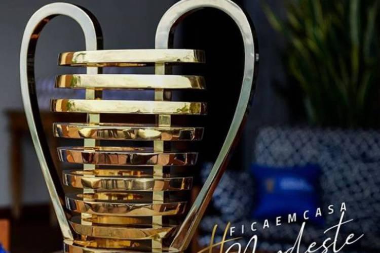 A orelhuda, taça da Copa do Nordeste  (Foto: Reprodução/Instagram)