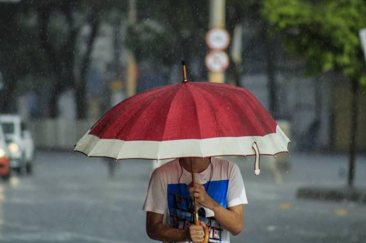 FORTALEZA, CE, Brasil - 20.03.2020: Registro de chuvas (Fotos: Sandro Valentim/O POVO)