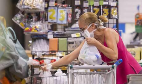 Trabalhos domésticos são realizados mais por mulheres que por homens