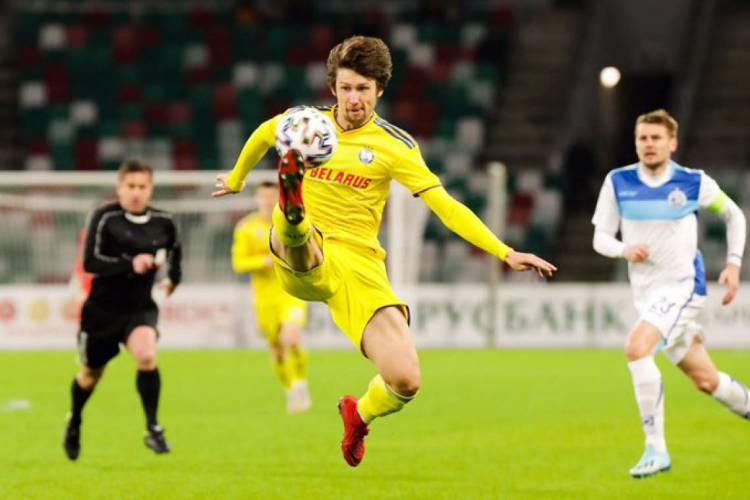 Liga nacional de Belarus começou na última quinta-feira, 19 (Foto: Reprodução / Twitter)