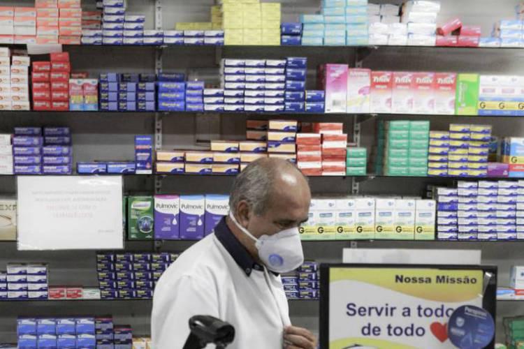 Fortaleza, Ceará Brasil 21.03.2020 Serviços Essenciais - funcionamento de farmácia durante a quarentena de combate ao corona virus.(Fco Fontenele/O POVO) (Foto: FCO FONTENELE)