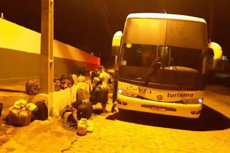 Ônibus veio do Sudeste com 23 passageiros