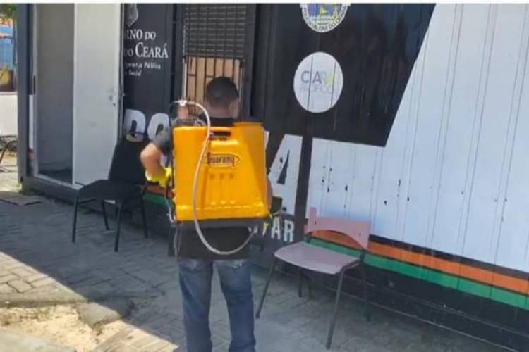 Imagens da limpeza do conteiner da PMCE  (Foto: Reprodução/PMCE )