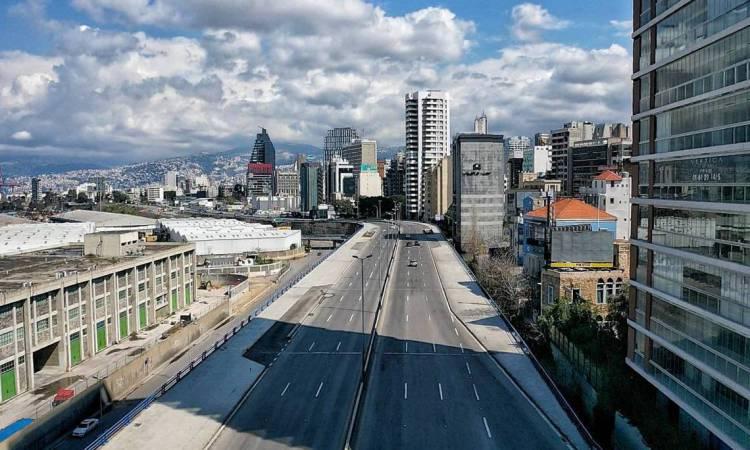 Beirute em 21 de março de 2020 mostra uma vista aérea da auto-estrada