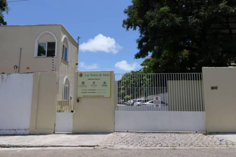 Fortaleza em 24 de março de 2020, Fachada do lar Torres de Melo para idosos em tempos de quarentena devido ao coronavirus. (Foto Fábio Lima) (Foto: Fábio Lima)