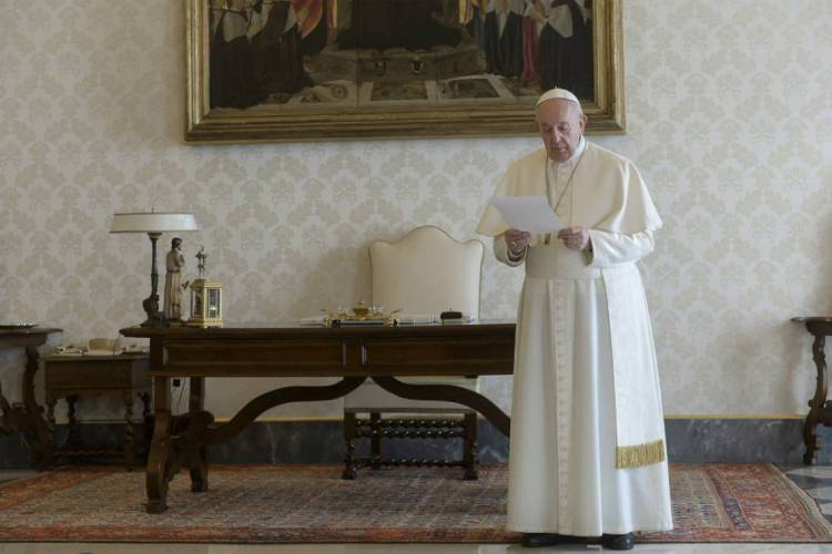 Papa Francisco fará transmissão ao vivo da bênção (Foto: AFP PHOTO / VATICAN MEDIA)